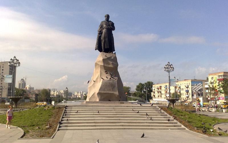 MONUMENTUL YEROFEYU KHABAROV