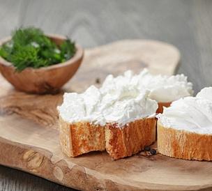 10 brânzeturi cele mai bine procesate
