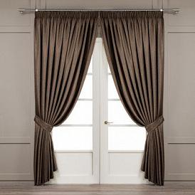 Cum de a alege perdele pe ferestrele din dormitor, camera de zi, camera de zi și bucătărie