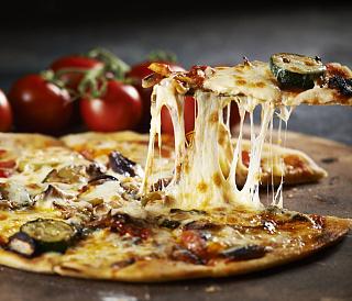 9 cele mai bune brânzeturi pentru pizza